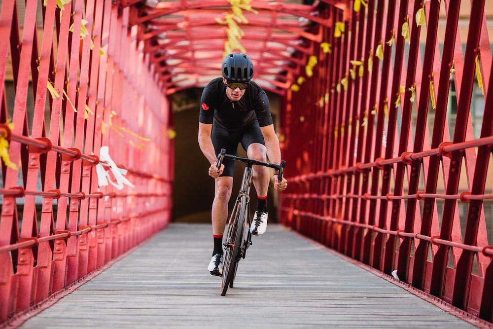 10 Merek Pakaian Terbaik Yang Digunakan untuk Bersepeda