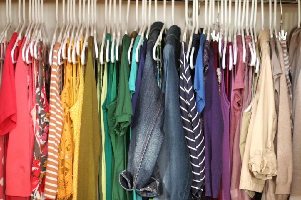 10 Tips Terbaik untuk Mencegah Ngengat Pakaian