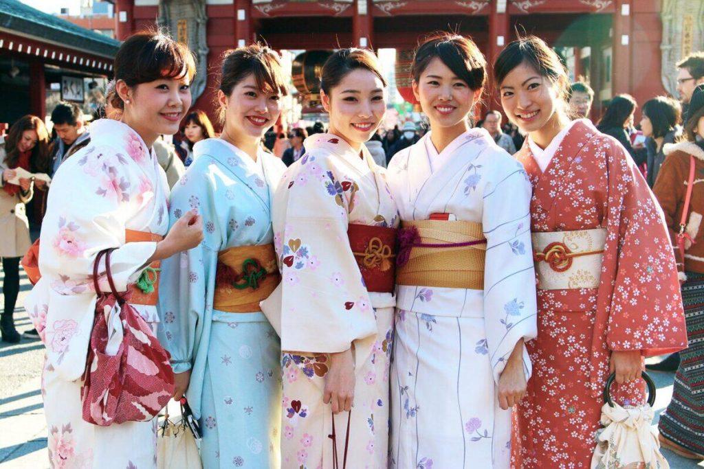 Pakaian Tradisional Nasional dari Seluruh Dunia Bagian 2